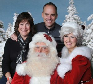 Family Pictures with Santa Claus in Fort Worth
