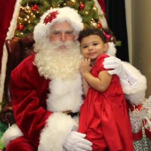 Cute Santa Claus Pictures with Children