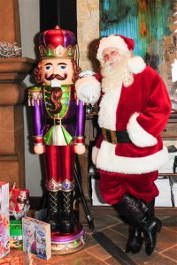Best looking Santa Claus entertainer for hire in Dallas Tx